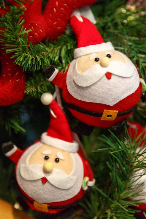 santa ornament santa claus ornaments free stock photo domain