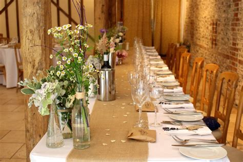 Wedding Tips Flower Ideas by Top Tips On Choosing Wedding Flowers For A Barn Wedding