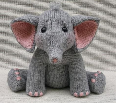 raii pattern in c baby elephant knitting pattern by rainebo