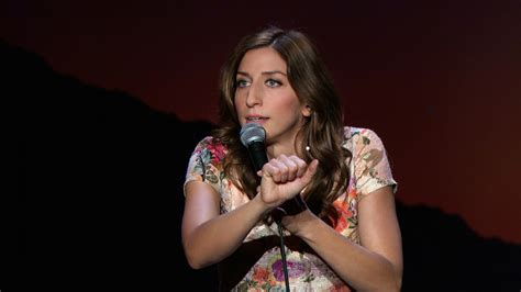 chelsea peretti stand up one of the greats scarecrows on a hot date chelsea peretti s stand up