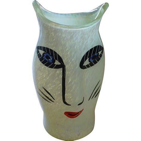 kosta boda cat vase from looluus on ruby