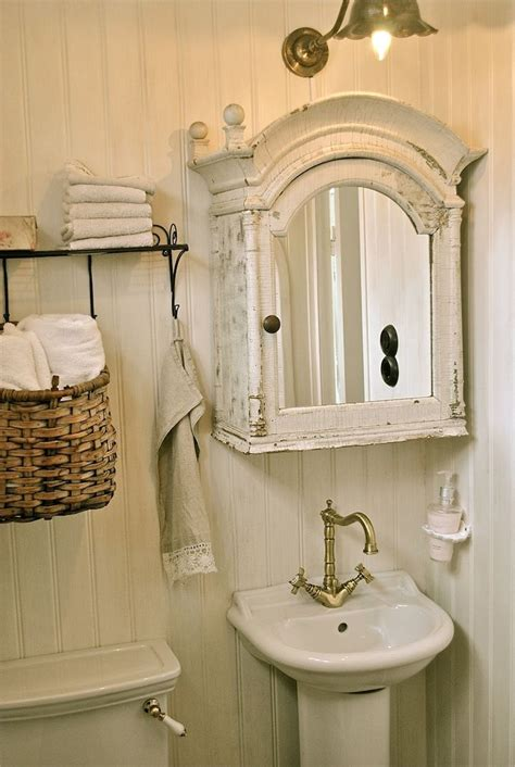 shabby chic small bathroom ideas best 25 small vintage bathroom ideas on pinterest