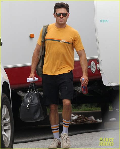 zac efron training zac efron s latest workout pic is so hot photo 869334