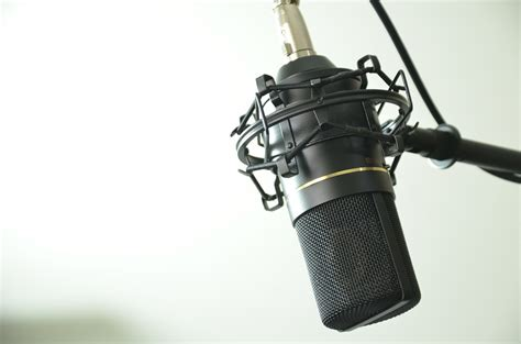 condenser microphone for screaming free photo audio condenser microphone free image on pixabay 1844798