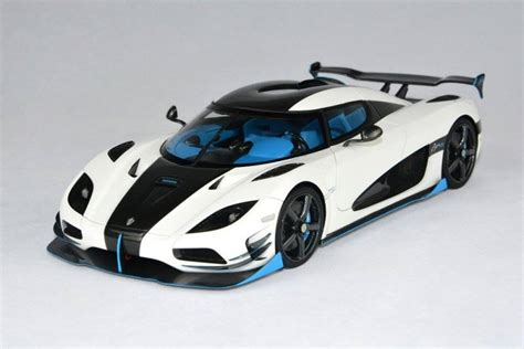 koenigsegg agera r white and blue fronti koenigsegg agera rs1 white blue