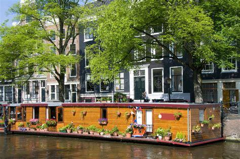 huis boot amsterdam de boot van het het kanaalhuis van amsterdam holland met