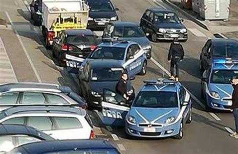 ubi banca catania rapina in banca con ostaggi arrestati tre catanesi in