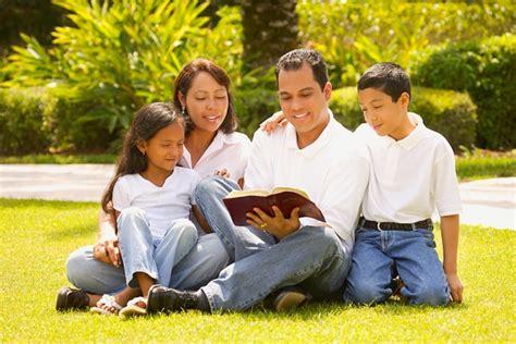 imagenes de la familia orando la familia cristiana marco a huerta