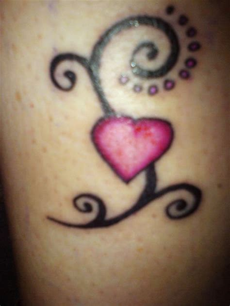 easy heart tattoo designs stunning heart tattoo designs for love feelings sheplanet