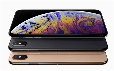 apple s iphone xs and xs max are all about the display