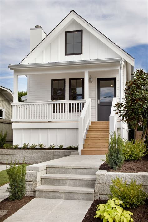 small homes exteriors on pinterest cute homes on pinterest farmhouse bungalows and cottages