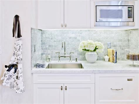 backsplash ideas diy purestyle cabinets buy corian marble kitchen countertops pictures ideas from hgtv hgtv