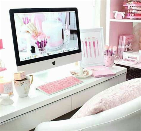 Pink Office Desk 17 Best Ideas About Room Layouts On Pinterest Cozy Room College Lights And