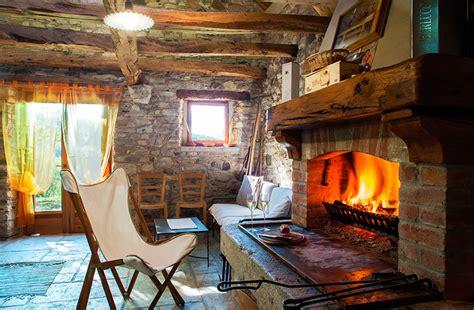 baita di montagna con camino eremo poggio pagnan dolomiti chalet mel baita montagna