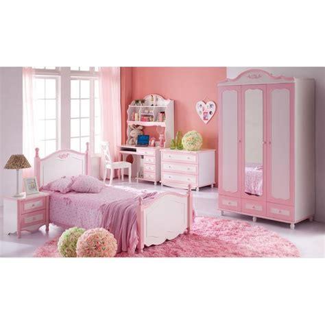 chambre à coucher enfant armoire chambre enfant homeandgarden
