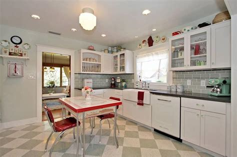 Decorating Ideas For Retro Kitchen 27 Retro Kitchen Designs That Are Back To The Future