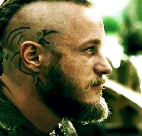 tattoo on side of ragnars head on vikings ragnar lothbrok from quot vikings quot showing off his crow head