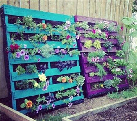15 creative diy outdoor pallet 39 insanely smart and creative diy outdoor pallet