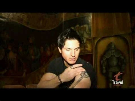 zak bagans tattoos zak showing his tattoos zak bagans tattoos