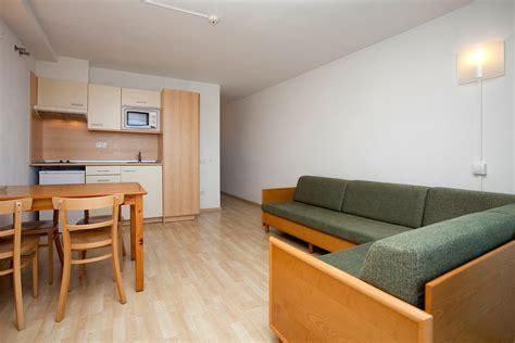 apartamento es apartamentos con vista piscina apartamentos les d 224 lies