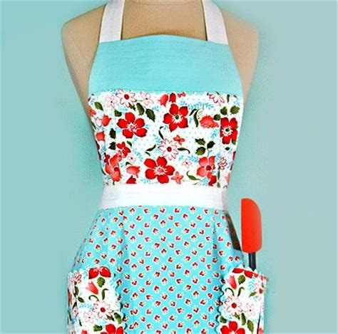 cute apron pattern free 200 best aprons images on pinterest sewing aprons