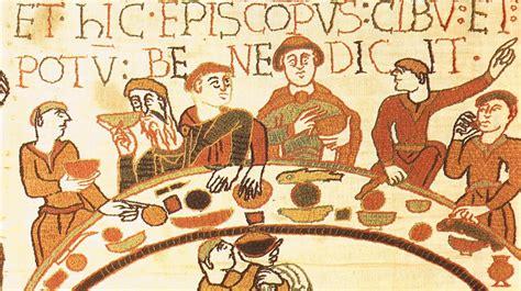 banchetto medievale a tavola con le buone maniere festival medioevo