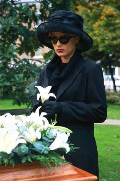 dress   funeral service outfit ideas hq
