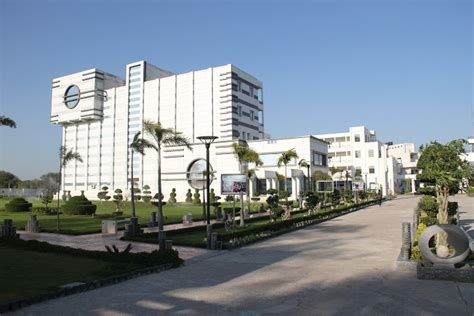 Axis College Kanpur Mba Fees by Axis Colleges Kanpur Admissions Contact Website