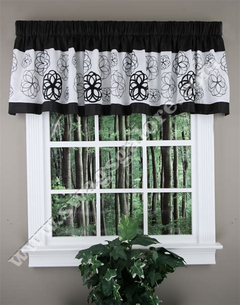 Black White Kitchen Curtains Covina Valance Black White Lush Decor Kitchen Valances