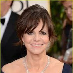 sally fields measurements sally field biography affair divorce ethnicity entire