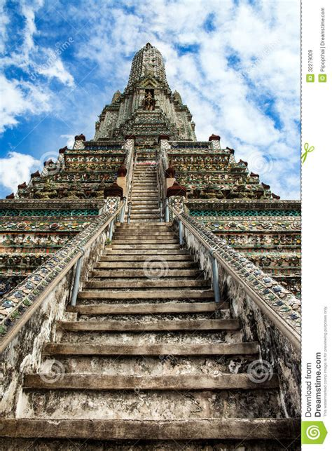 stairway  heaven  wat arun landmark    tourist
