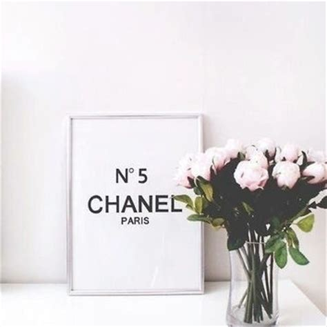 coco chanel quote printable diy home decor free 8 5 no5 chanel room decor chanel 8x10 saying from angiesprints