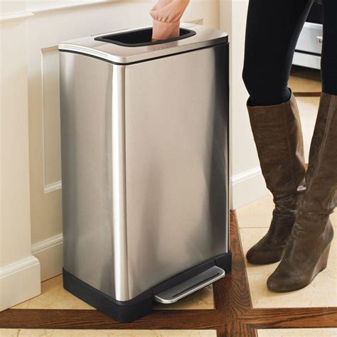 kitchen trash cans compacting garbage cans kitchen trash can