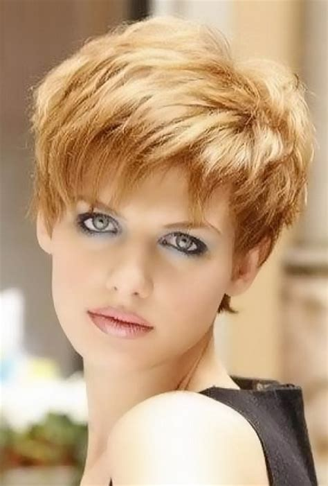 short to medium hairstyles with layers around the face very short layered haircuts