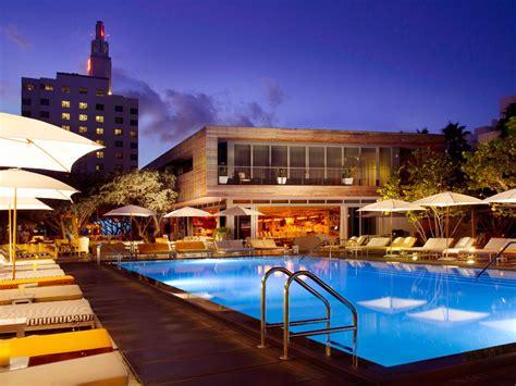 booking  hotel  airfare   save money