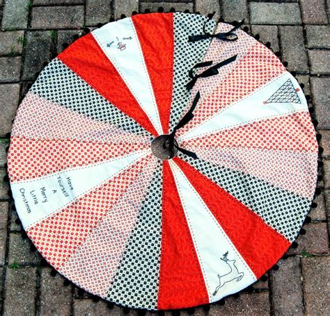 Quilted Tree Skirt Tutorial by 20 Free Quilted Tree Skirt Patterns Guide Patterns