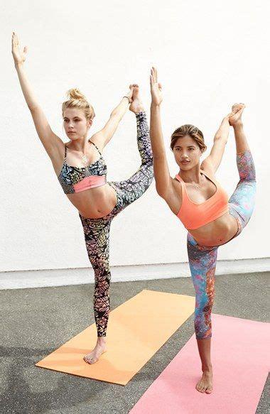 ajustes de yoga 8416579210 82 mejores im 225 genes de yoga pants clases shorts en ajuste de curvas deportivo y