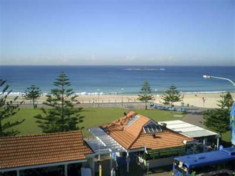coogee house hostel surfside coogee backpackers in sydney best hostel in australia an hostel s selection