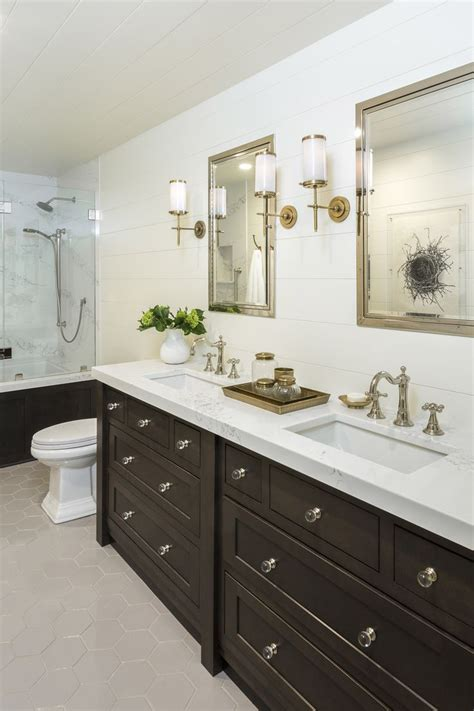 hall bathroom ideas 1000 ideas about hall bathroom on pinterest bathroom