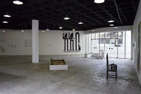 pin em exposicoes exhibitions