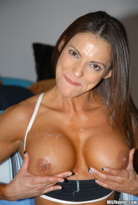 milf hunter picture gallery super hot and buff milf babe