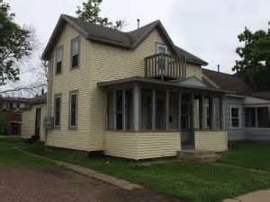 university area housing eau claire university area housing investment realty eau claire wi uw eau claire off cus