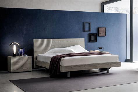 letto particolare letto in legno con testiera particolare h2o napol