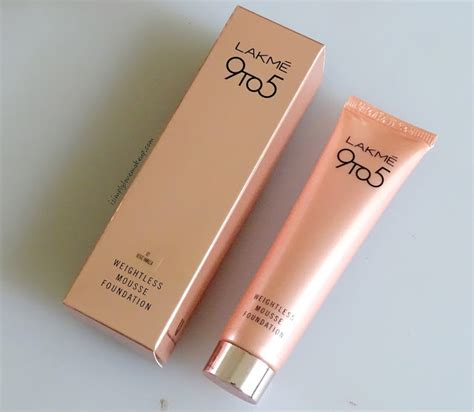lakme 9 to 5 weightless mousse foundation review do i recommend the lakme 9 to 5 weightless mousse foundation