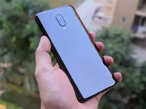 oneplus 6t apple iphone xr effect oneplus 6t to be available at its lowest price