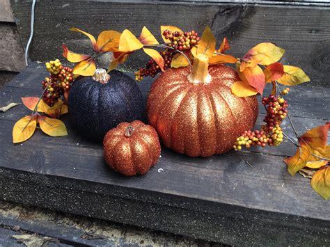 Holiday Wood Crafts - halloween glitter pumpkin