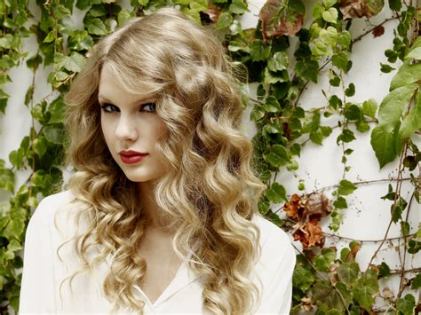 can hair be slightly curly or wavy taylor swift and her vintage curly hair locks women