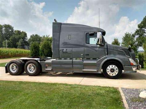 truck volvo 2013 volvo vnl64t630 2013 sleeper semi trucks