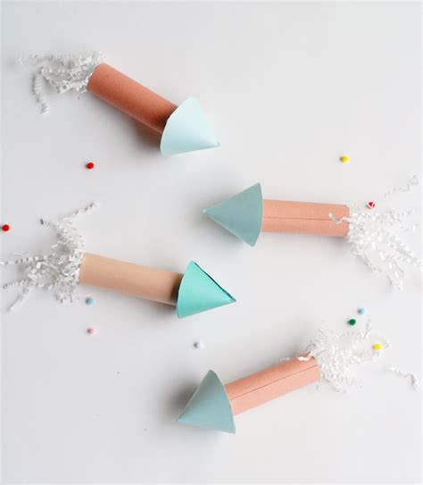 How To Make Crackers With Paper - diy paper rocket crackers to start your summer