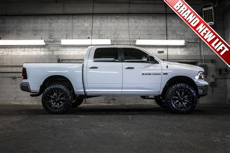 stock tires on dodge ram 1500 pics of stock 2014 dodge ram 1500 with larger tires